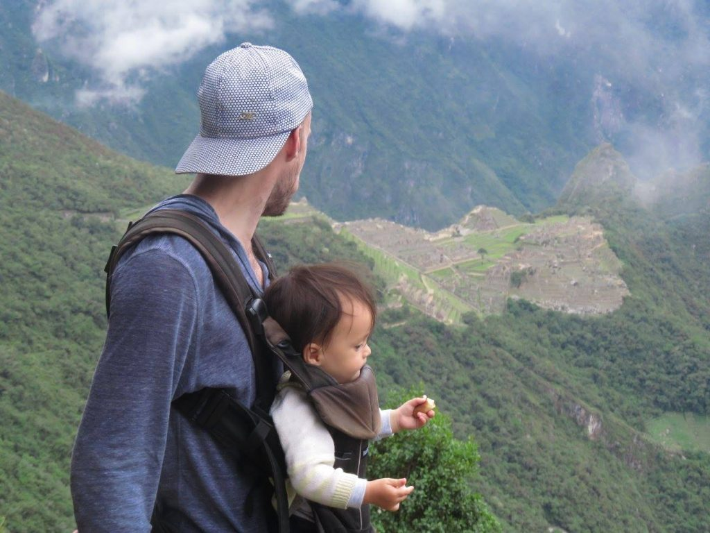 Photo of Darian and Maxime with the Machu Picchu in the background