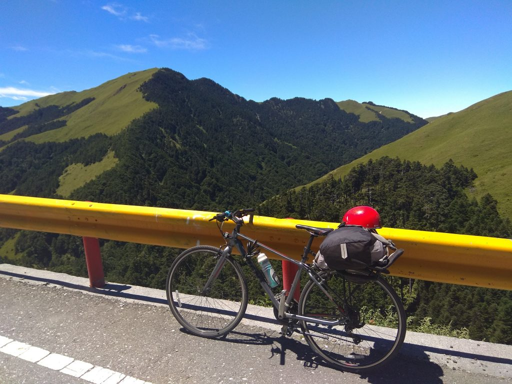 Cycling Taiwan's highest road : The Central Cross-Island Highway