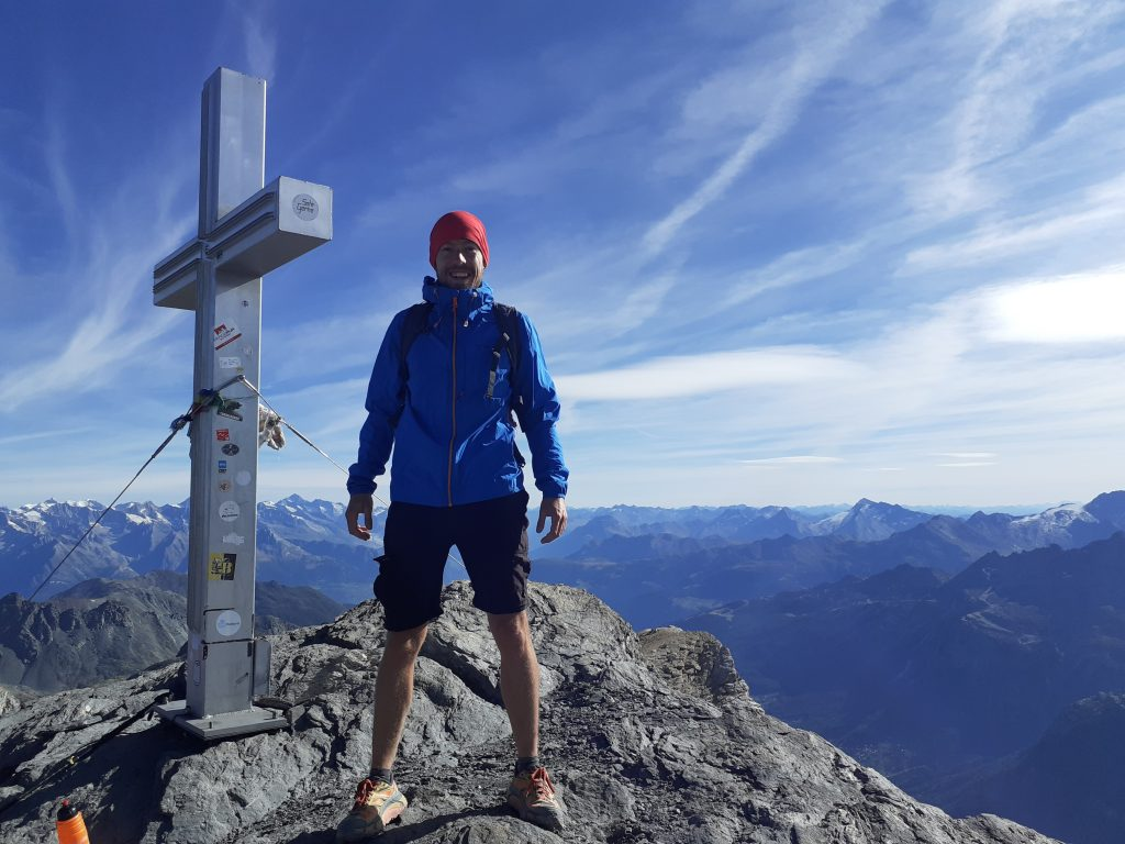 Hiking in Valais - The Barrhorn (3610m) : 10 essential tips before attempting this incredible hike! 1