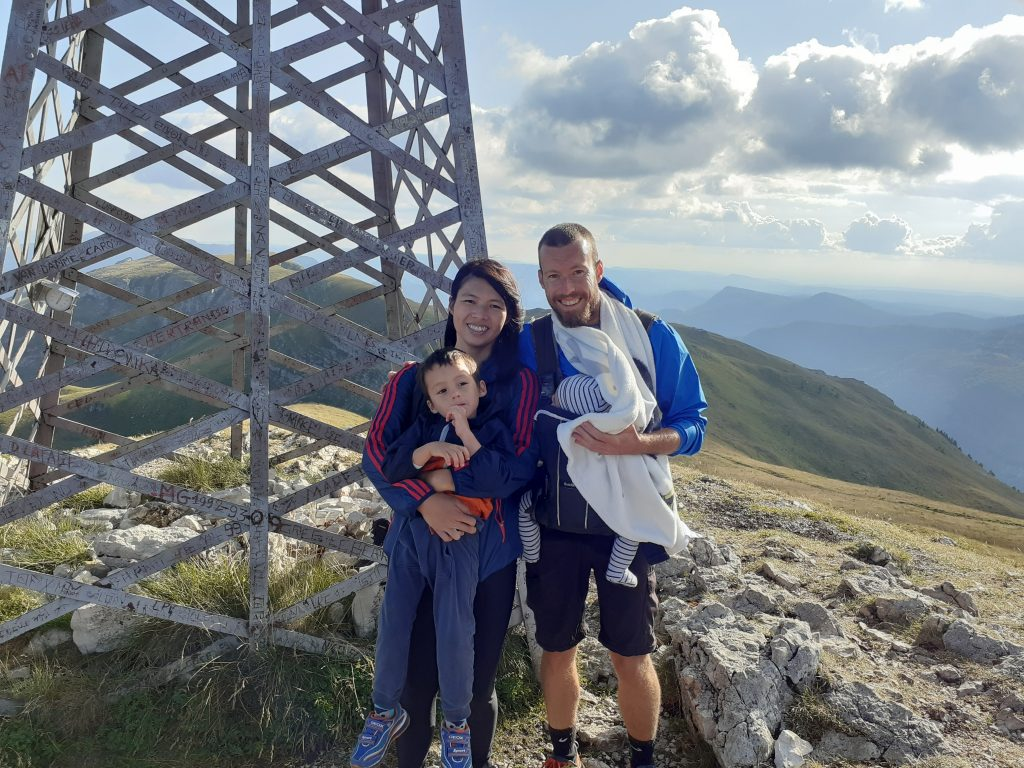 Family hiking in the Jura